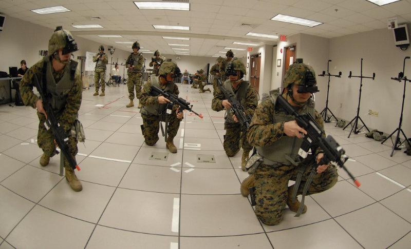 La Réalité virtuelle est longtemps restée confinée à certains domaines, et utilisations, scientifiques et militaires